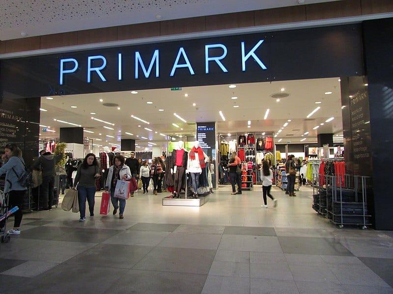 Quem AMA comprar roupas boas e baratas quando viaja precisa conhecer a Primark