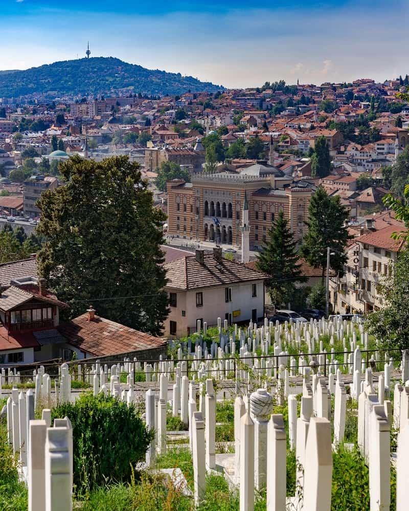 Lápides em Sarajevo. Foto: Darcey Beau