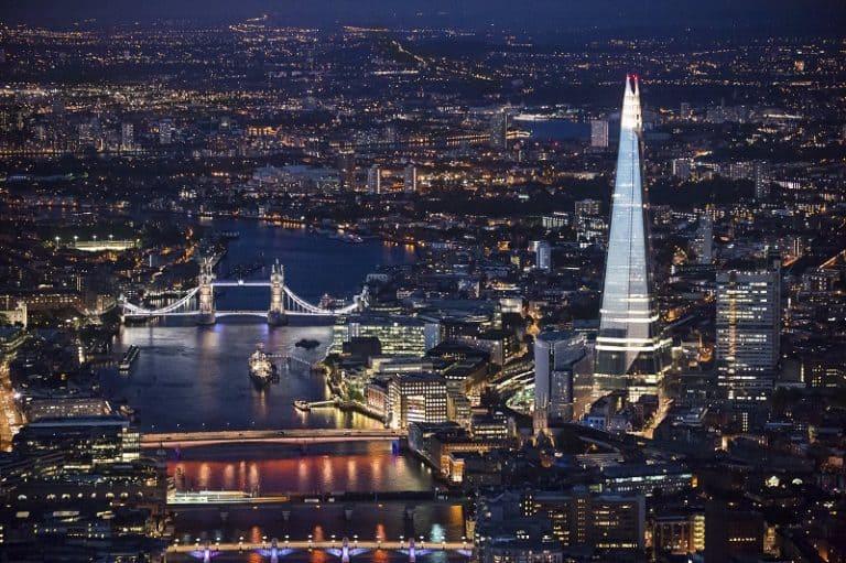Shard London Bridge é o maior edifício da Europa, com 310 metros de altura