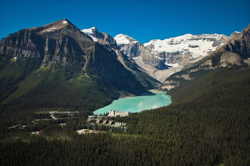 Fairmont Château Lake Louise: conheça o resort de montanha luxuoso no Canadá