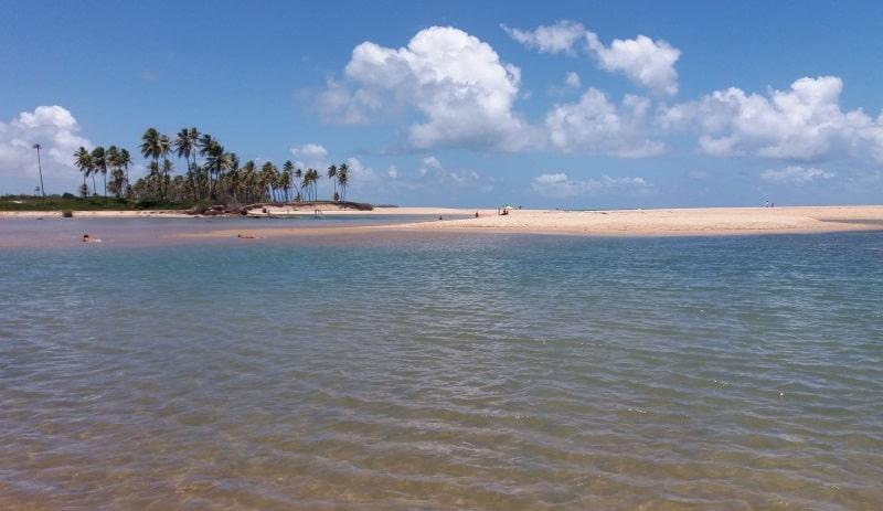 15 piscinas naturais na Bahia para planejar as férias dos sonhos