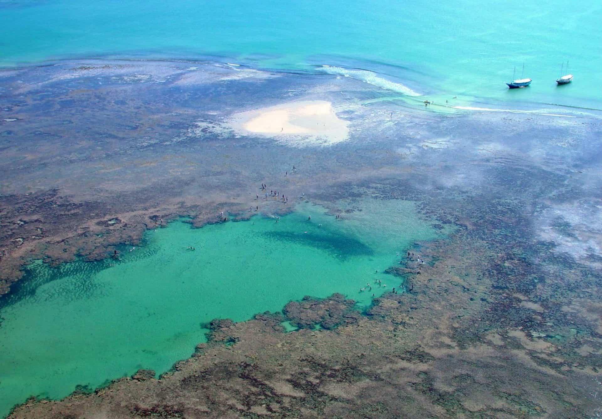 Recife de Fora, em Porto Seguro, é uma das maiores belezas naturais do Brasil. Veja porquê!