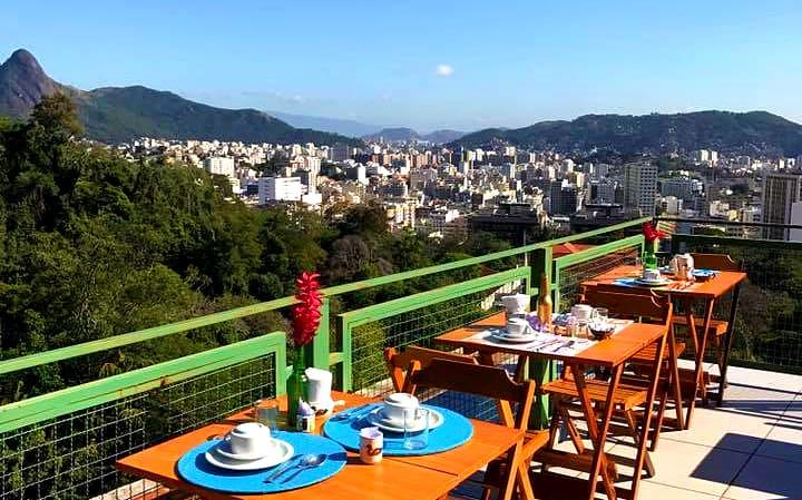 Café da manhã no RJ tem vista incrível para a cidade