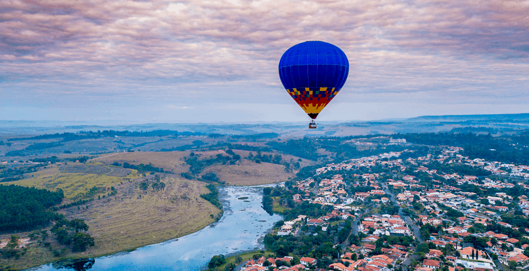 Em São Pedro, voo de balão dá vista para Serra do Itaqueri