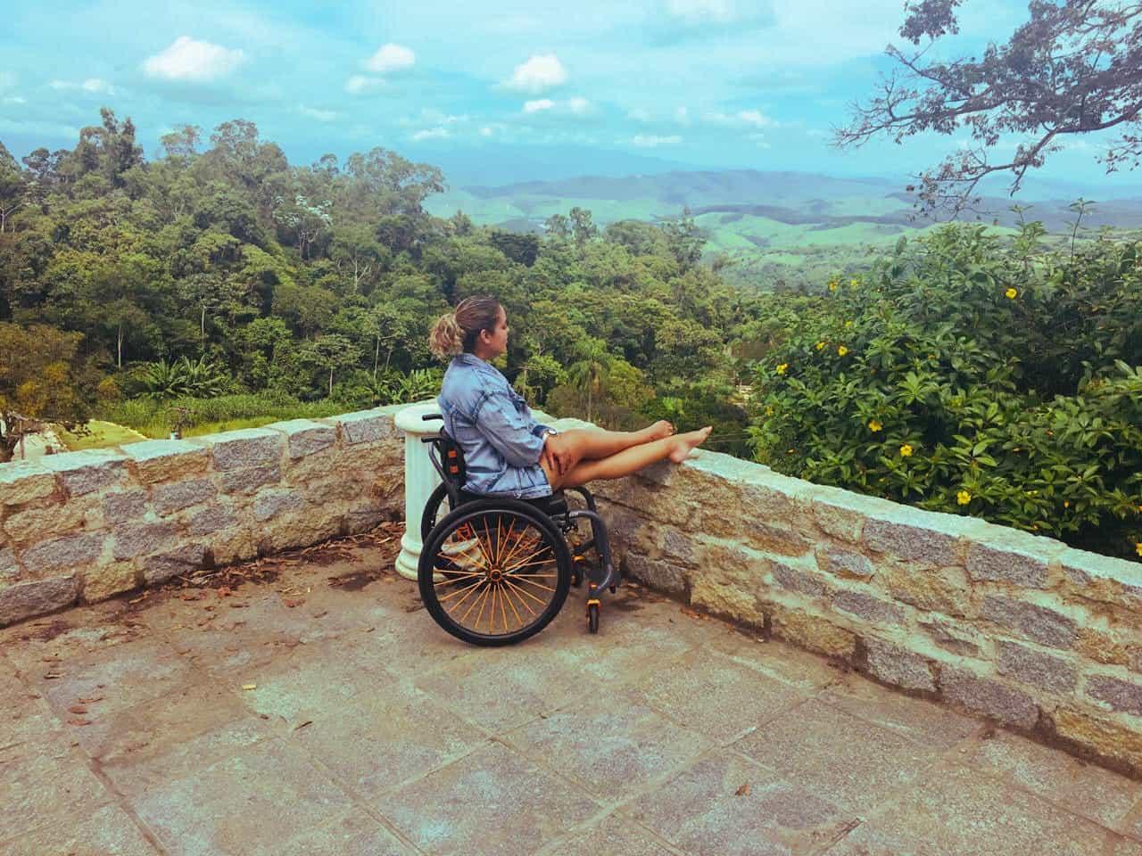 O mundo é delas: Suelen Almeida fala sobre turismo acessível