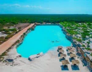 Olha a cor dessa água! Esse é o Buraco Azul, nova atração turística perto de Jericoacoara