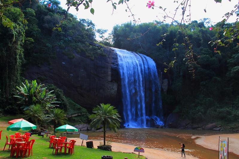Cachoeira Grande em Lagoinha é um dos lugares mais lindos de São Paulo