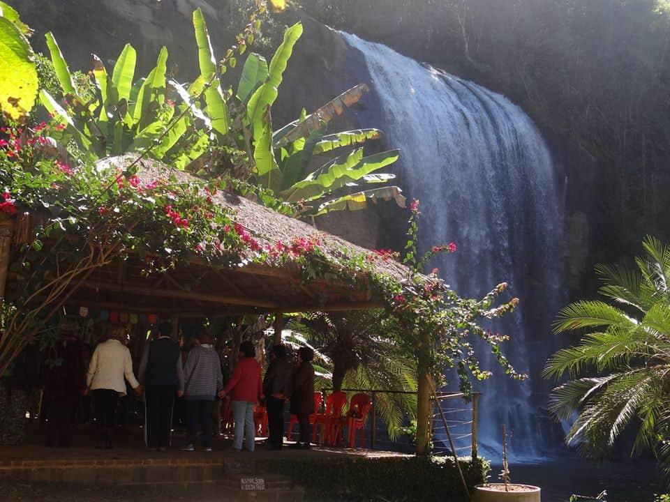 cachoeira grande em lagoinha - sp
