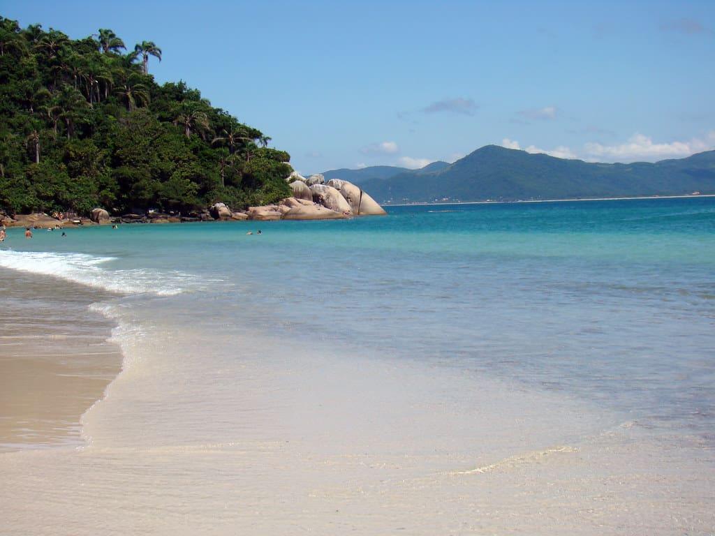 O Caribe brasileiro é aqui: a Ilha do Campeche é um dos destinos mais lindos de Floripa!