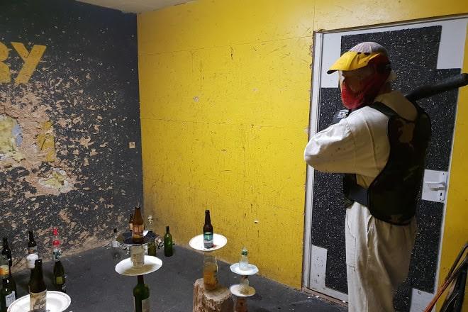 Fury Room: sala para você destruir o que puder vira atração turística em diversos países