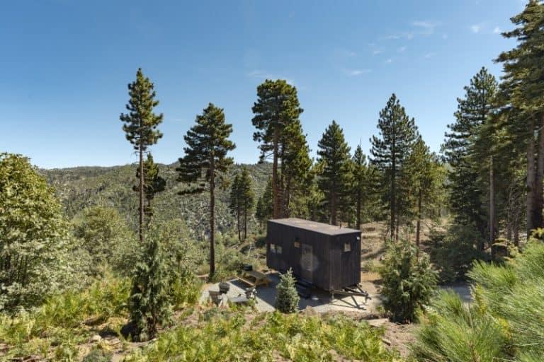 Hospedagem na floresta? Essas cabines são LINDAS e muito aconchegantes