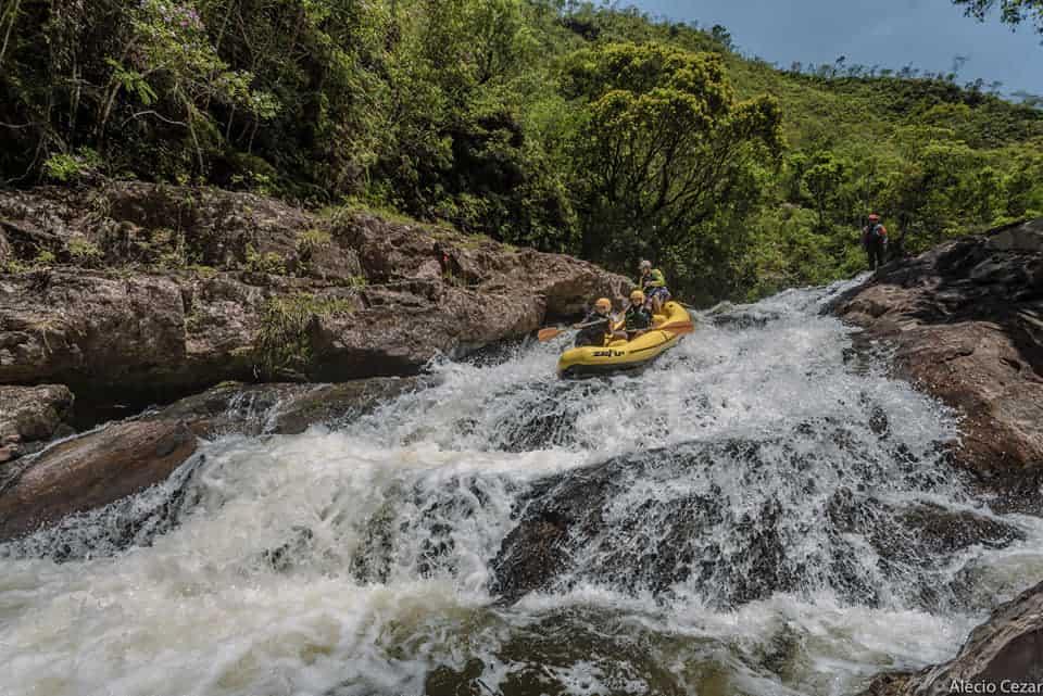 Parque de aventura em SP oferece rafting, trilhas e rapel sem sair da capital