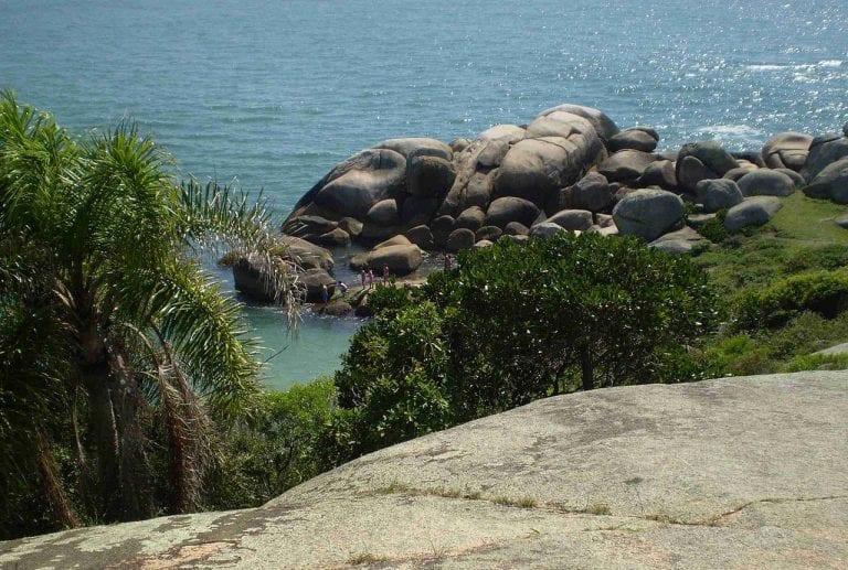 Piscinas naturais da Barra da Lagoa – mais um paraíso para conhecer em Floripa