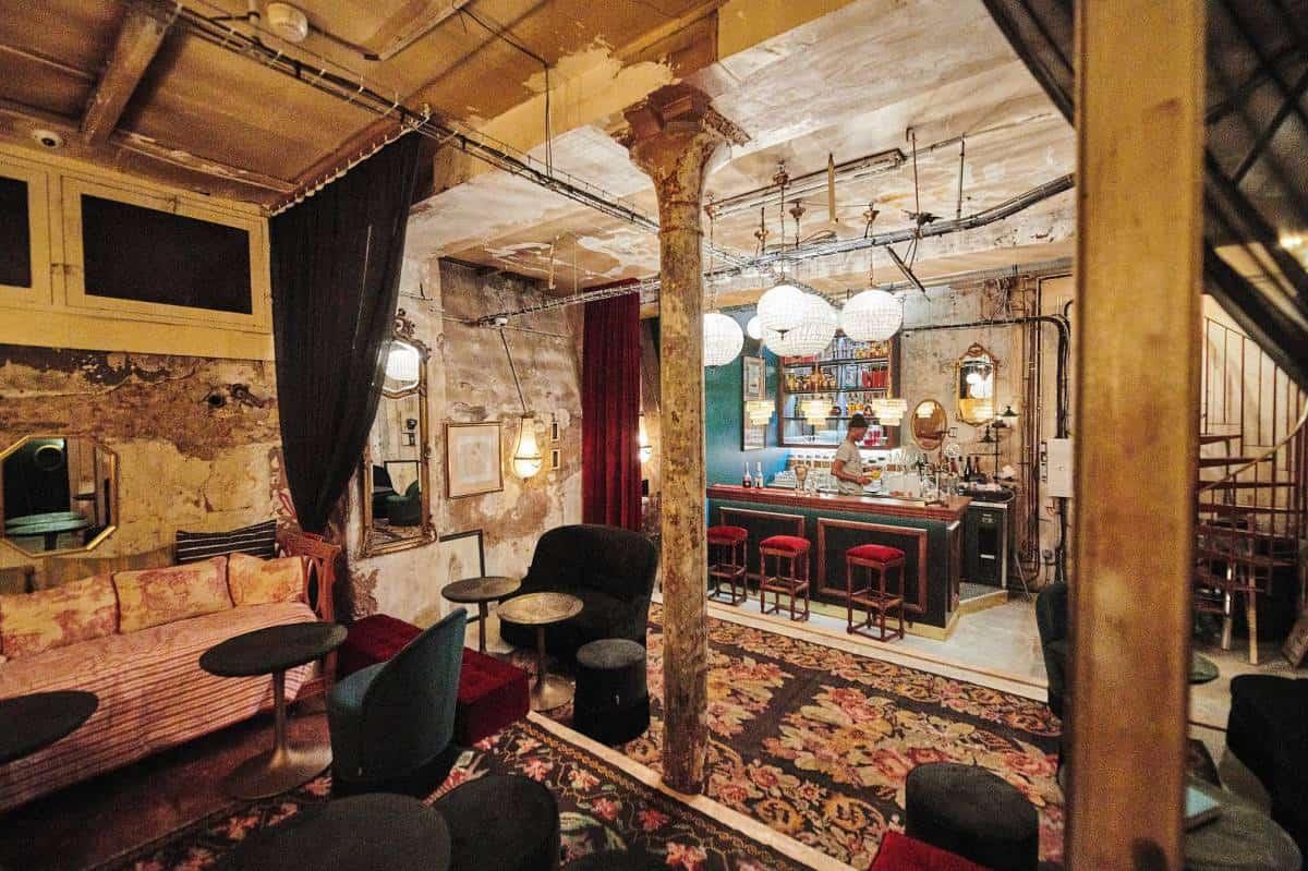Bar em Paris lança drinks sem álcool e comCBD