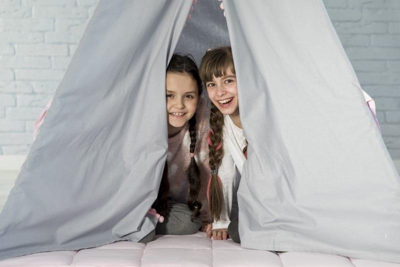 acampar dentro de casa