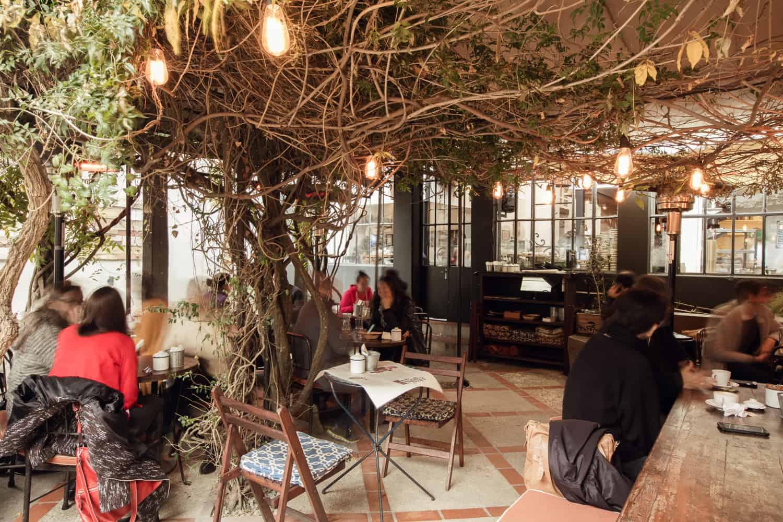 Casarão de 1903 abriga charmosa livraria em Montevidéu