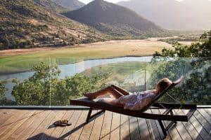 Com visual futurista, vinícola no Chile tem vistas magníficas e spa devinho