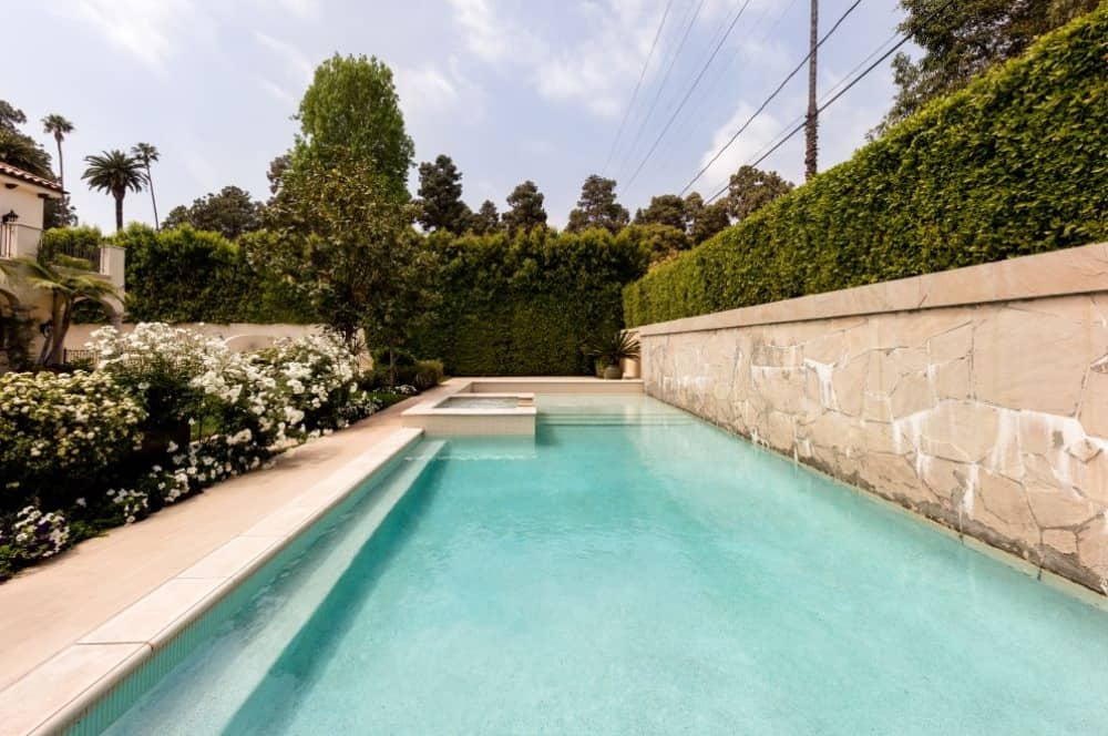 swimming pool airbnb with pool near me