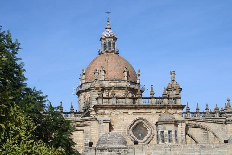 Vinhos espanhóis para beber em casa ou desbravar a Espanha