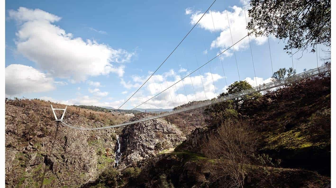 Maior ponte suspensa pedonal será inaugurada em Portugal mês que vem
