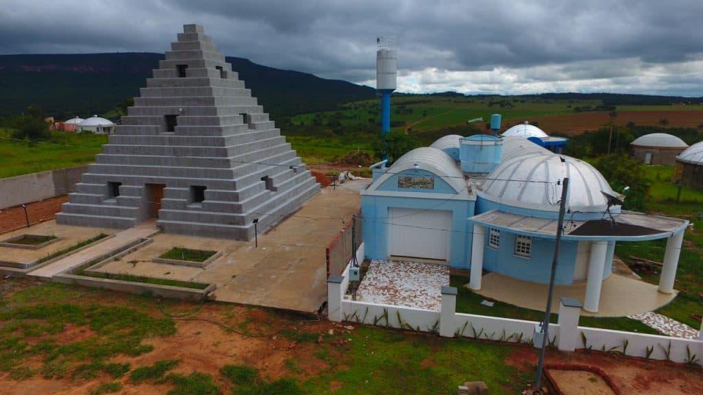 Conheça a curiosa Zigurats, vila no Mato Grosso do Sul construída para atrair ET's