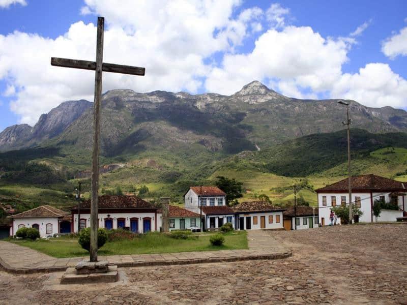 Arte sacra, história e montanhas são atrativos na mineira CatasAltas