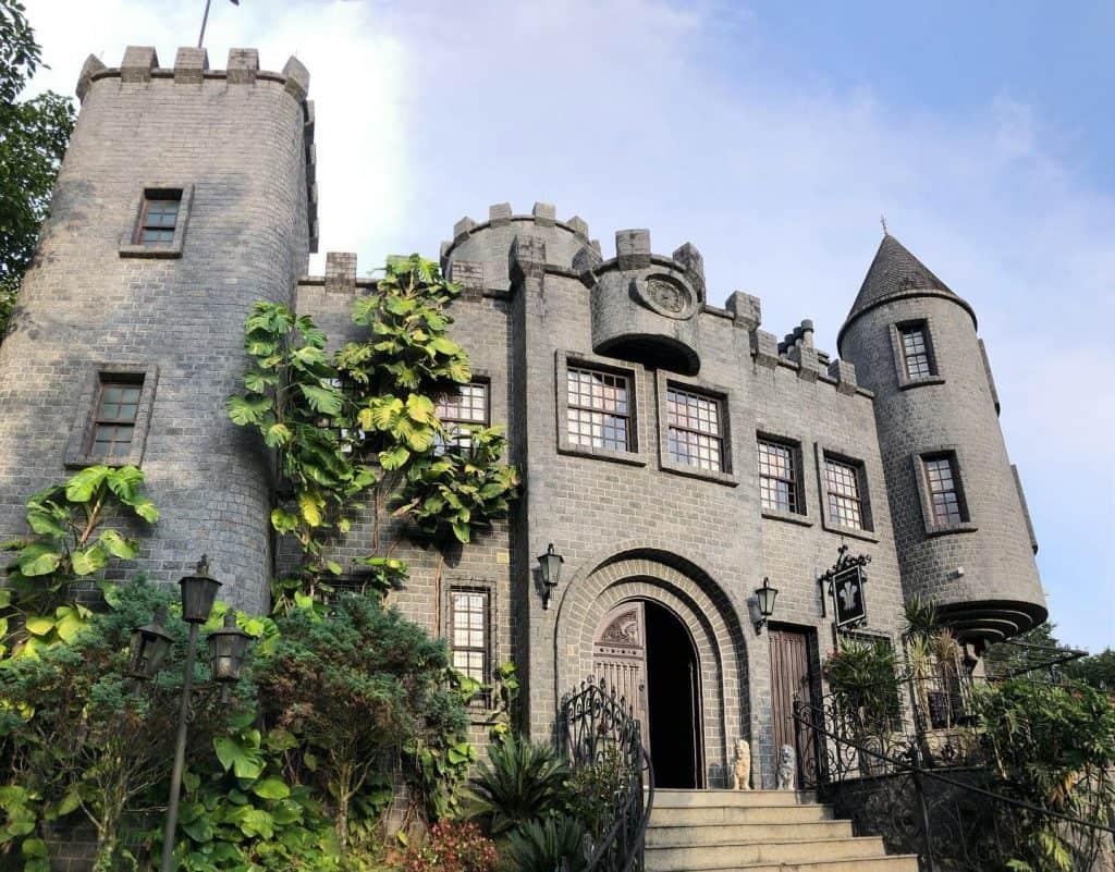 Descubra o curioso castelo britânico de Santa Catarina