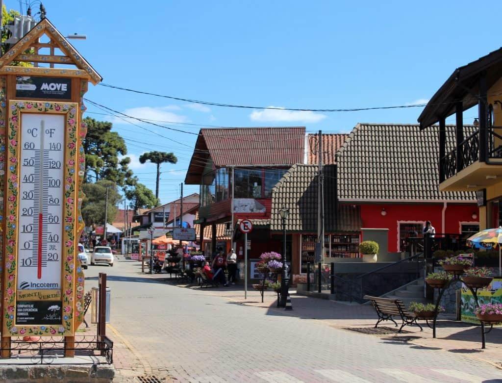 Clima ameno, atrações para casais e famílias em Monte Verde