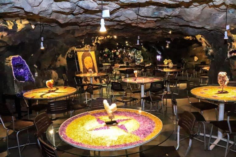 Restaurante dentro de uma mina ativa é a sensação no RS