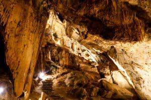 Botuverá: passeios entre cavernas, grutas e produção devodka