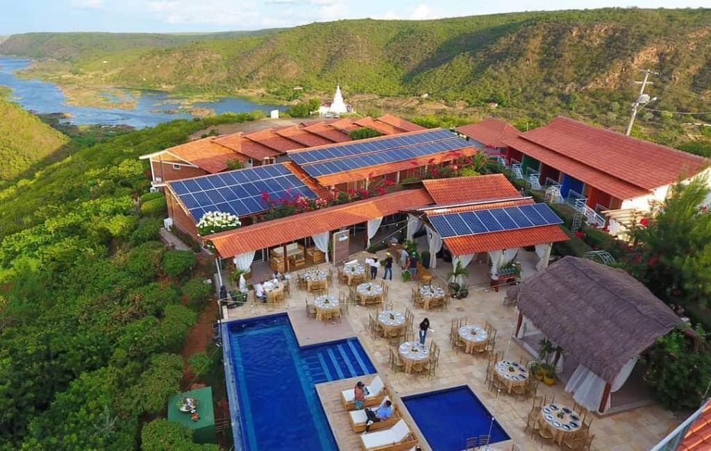 Hotel em Alagoas tem vista para o Cânion São Francisco e a natureza do sertão
