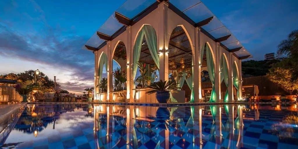 Hotel na Praia da Ferradura em Búzios para uma viagem especial