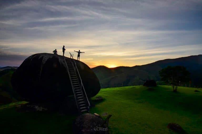 Mirante Pedra de São Francisco tem restaurante panorâmico e trilhas em SP