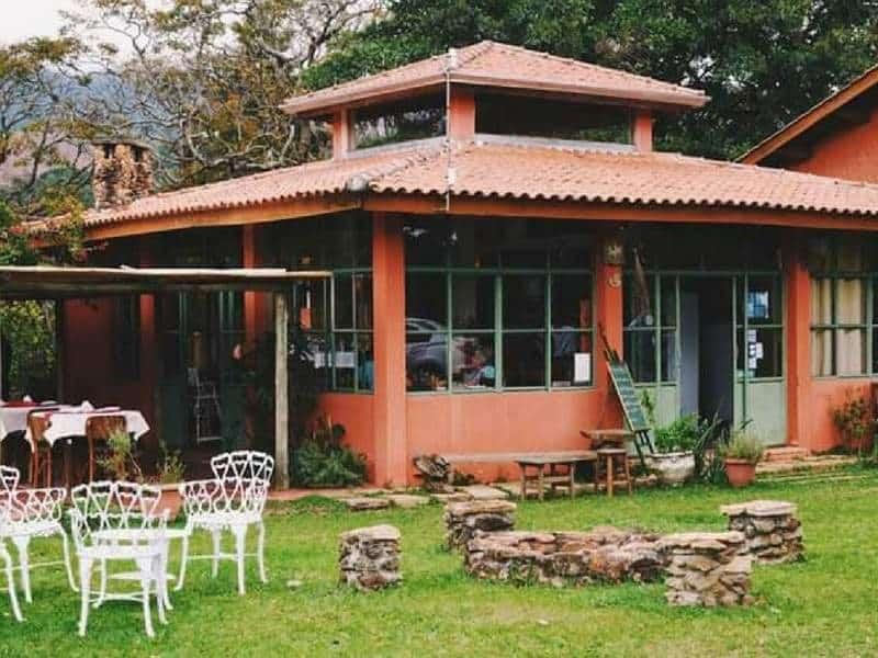 Capril do Bosque: turismo rural, queijos artesanais e bistrô em Joanópolis