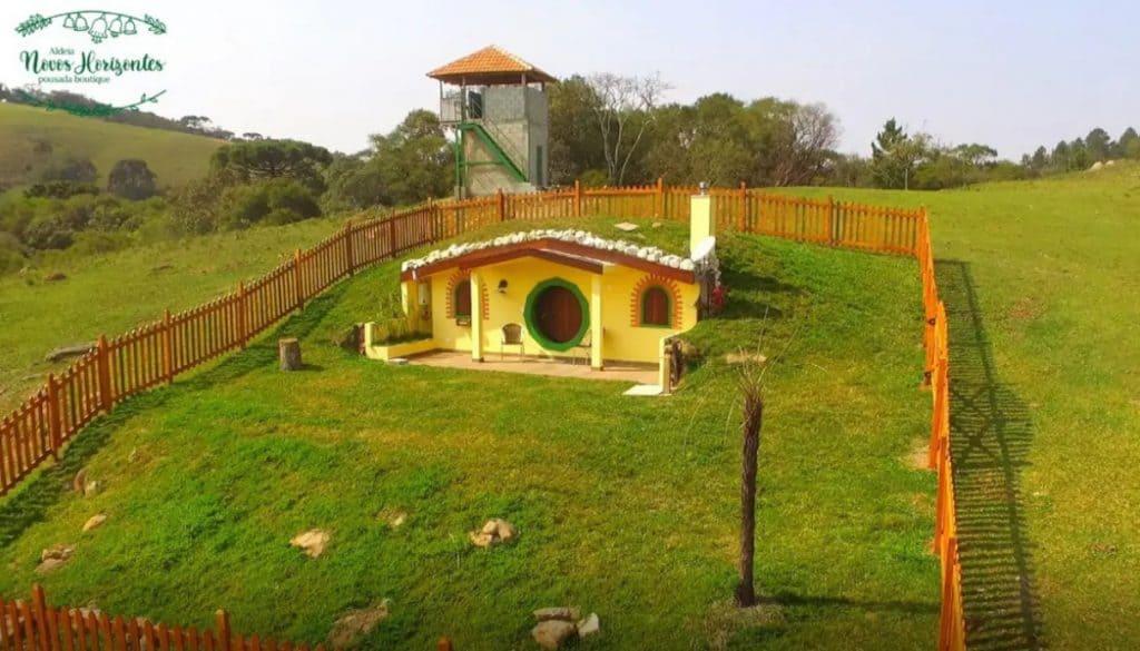 Pousada aldeia novos horizontes casa estilo hobbit perto de curitiba
