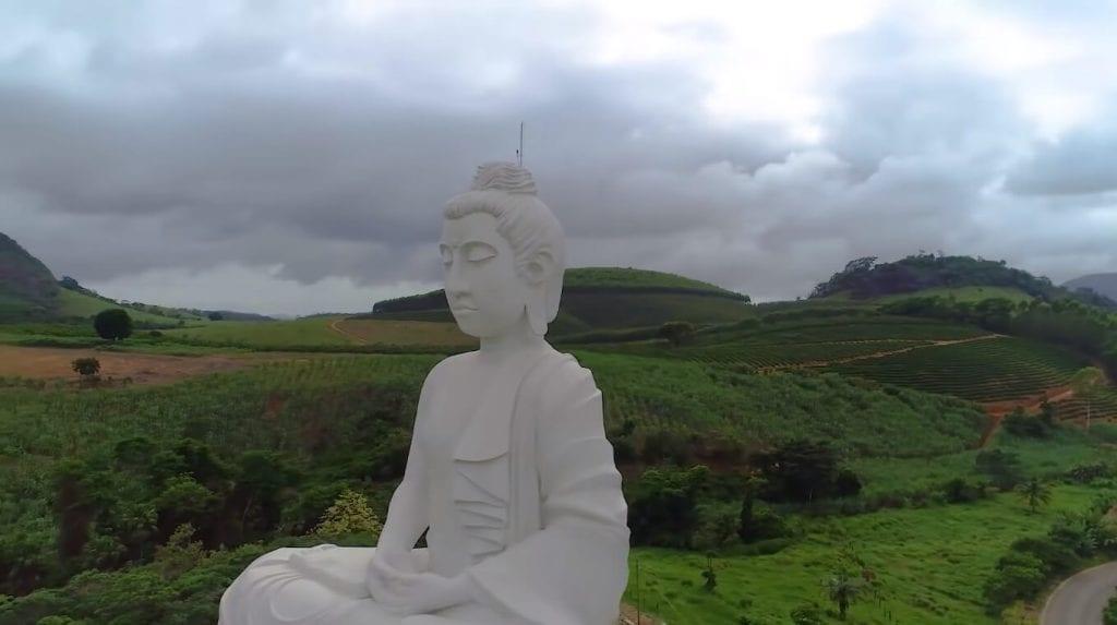 Buda gigante de Ibiraçu