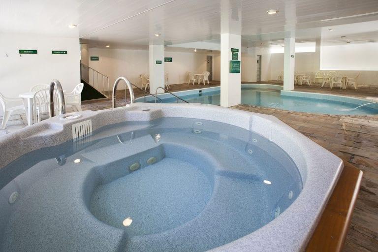 Águas termais em Santa Catarina para banhos relaxantes que fazem bem à saúde