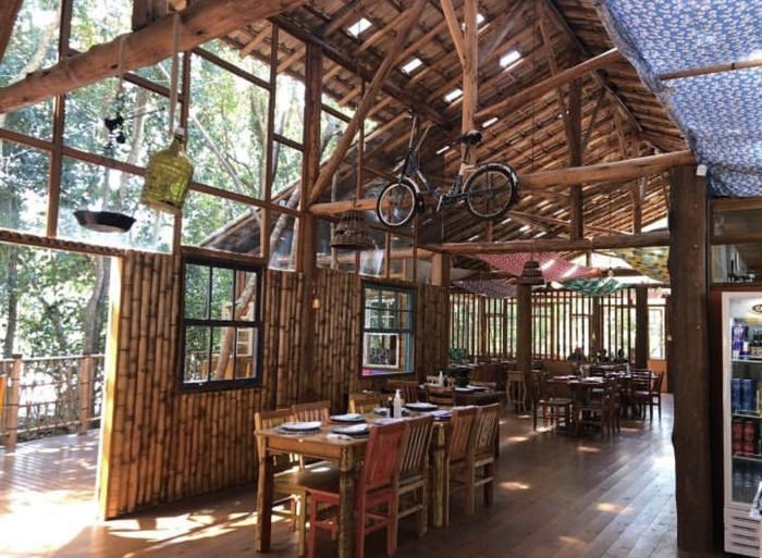 Restaurante em São Roque serve delícias e vinho numa charmosa cabana
