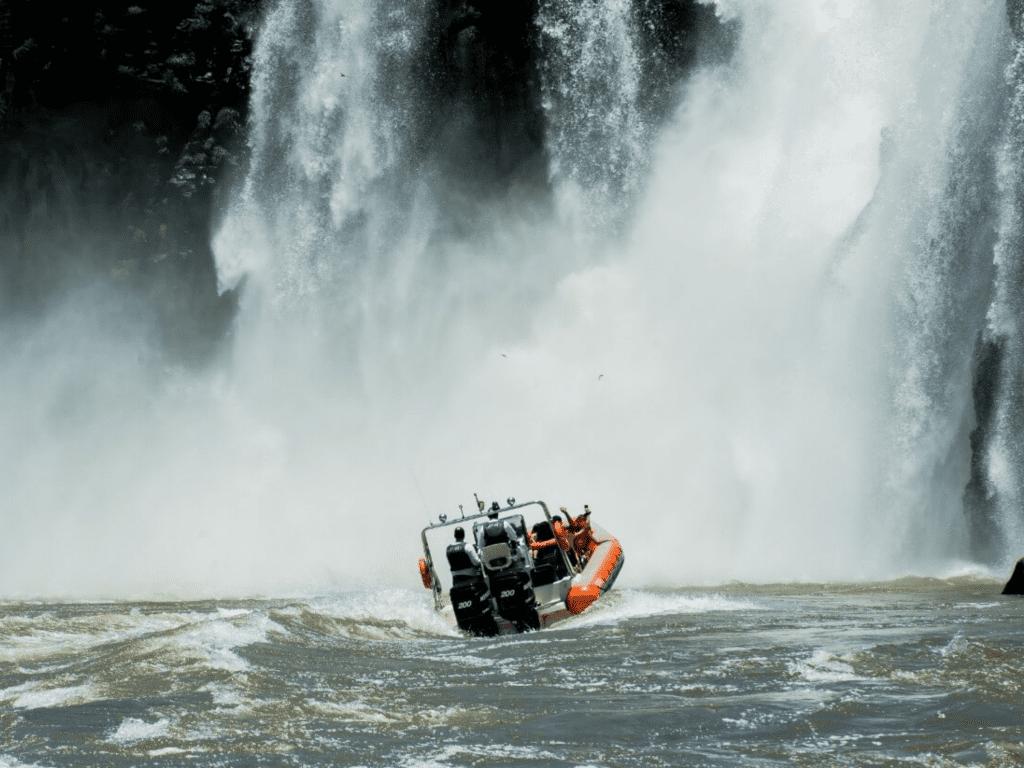 Passeio Macuco Safari em Foz do Iguaçu.