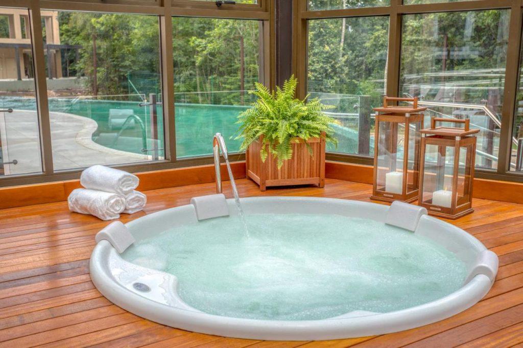 Resort em Gramado em piscinas aquecidas