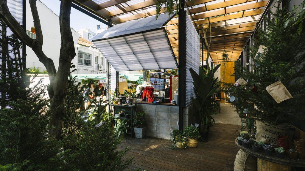 Conheça o Ginkgo Café, um misto de floricultura com cafeteria em PortoAlegre