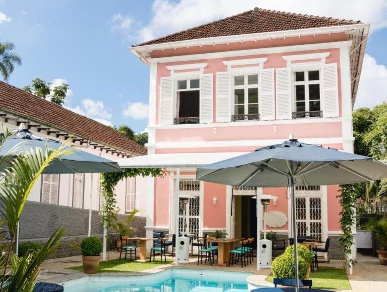 Com bistrô e rooftop, hotel em Petrópolis esbanja charme em casarão histórico