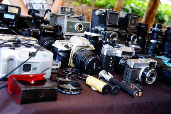 Câmeras analógicas na Feira de Antiguidades