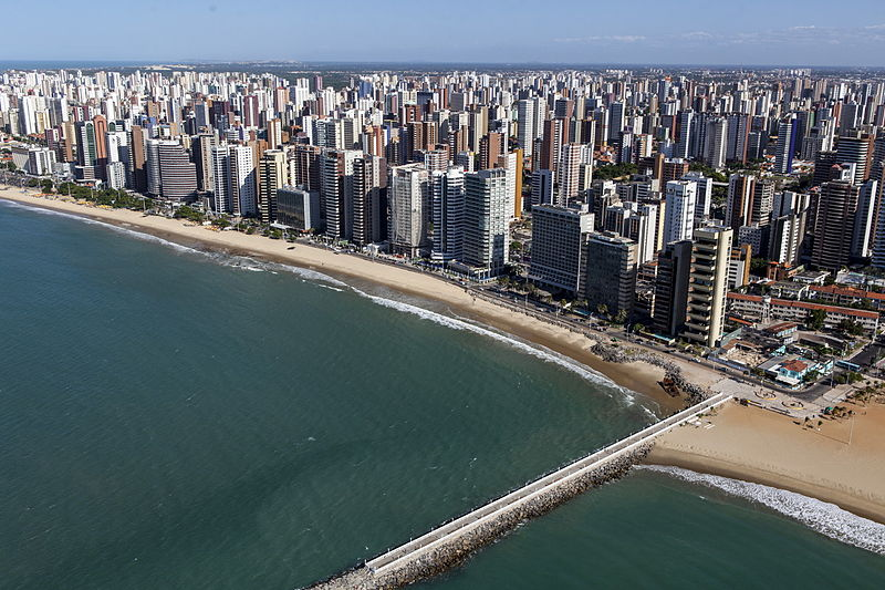 Orla onde fica hospedagem em Fortaleza/Foto: Wikimedia Commons