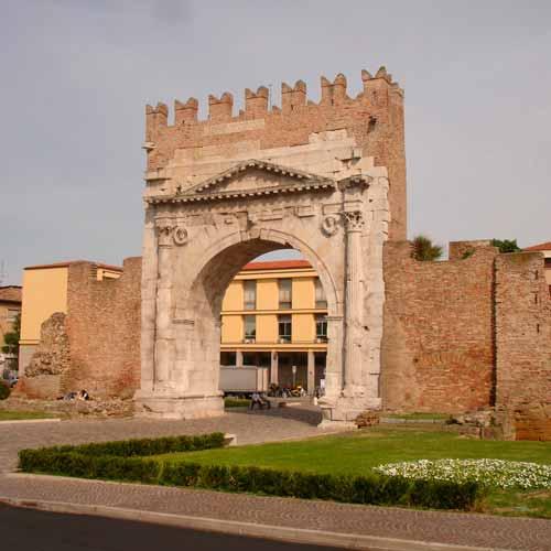 Arco d'Augusto