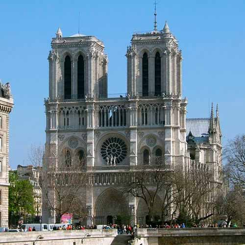 Torre da igreja de Notre Dame