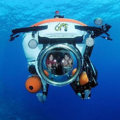 Mergulho com mini submarino