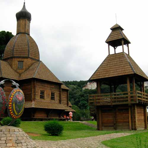 Parque Tingui (Memorial Ucraniano)