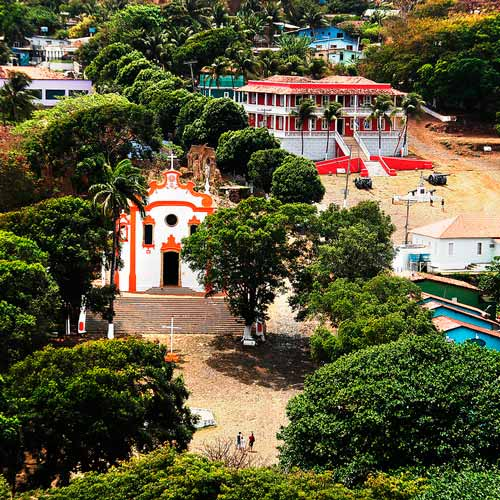 Caminhada Histórica na Ilha