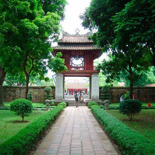 Templo da Literatura e Universidade Nacional